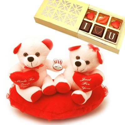 Amazing Gifts to send on this Valentine's Day through Giftwithlove.com at 10% discount with Code: CPSDS. Visit: http://www.giftwithlove.com/catalog/category/view/s/ghasitaram-valentine-gifts-for-her/id/882/