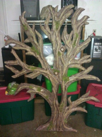 80 best ideas about cardboard tree on pinterest moving supplies cardboard tree and wire coat. Black Bedroom Furniture Sets. Home Design Ideas