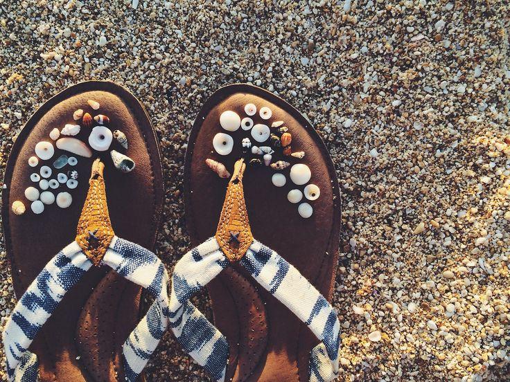 brooklynhawaii:  Yesterday Evening's pau hana beach finds + my favorite Reef slippers» SHOP REEF HERE @reef_girls #justpassingthrough ...