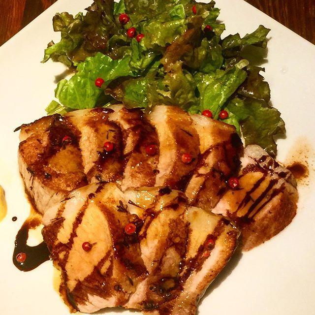スタッフは美味しい美味しいと食べてくれましたが松坂牛シンシンステーキに次いで火を入れすぎちゃいました(●´ω`●) 先日漬け込んだ塩豚の味見です。  #肉横丁 #まつざか #炙り寿司 #新メニュー #松坂牛 #ソミュール液  #肉 #塩豚 #トリュフ塩 #渋谷 #松坂豚 #リニューアル #リニューアルオープン #松坂牛の炙り寿司 #これはまかないではありません #タグ付け大変 #instagood #instalike #instafood