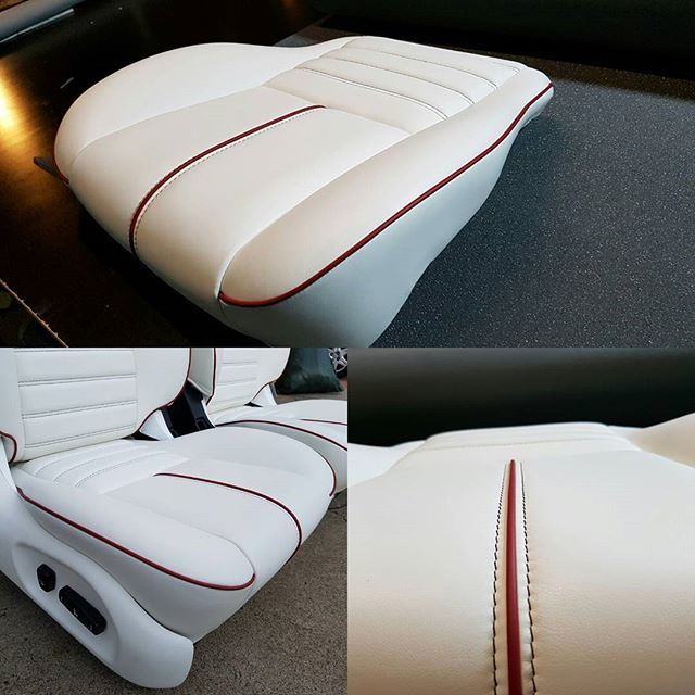 Smooth as a babys bum....close up detail of the ford seats #autoupholstery #motortrimming #ford #classicford #custommade #smooth #detail #leather #xmfalcon #leatherseats #brentparkermotortrimming #frenchseams #elegant #timeconsuming #piping #notawrinkle #notonewrinkle #wrinklefree #nofilter #nofilterneeded