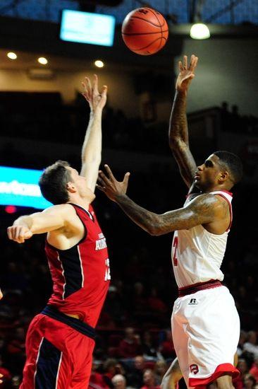 Tennessee-Martin Skyhawks vs. Florida Atlantic Owls - 11/29/16 College Basketball Pick, Odds, and Prediction