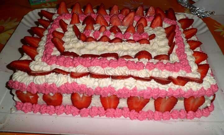 Torta di compleanno Panna e fragole