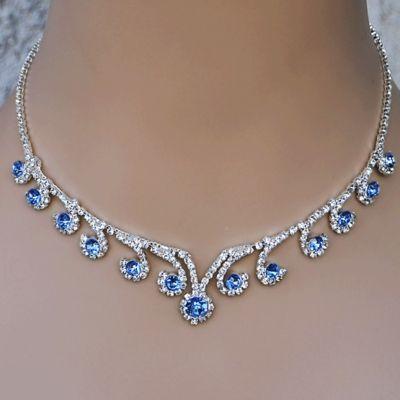 how to wear jewelery elegantly