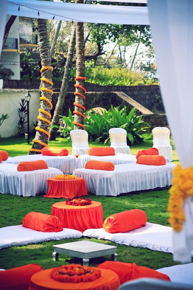 this one looks interesting!!  Find inspiration at www.weddingsonline.in