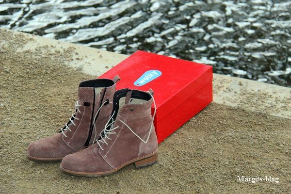 Hallo,der Wettergott meint es gut mit uns! Es ist zwar windig aber die Sonne scheint, viel besser als die letzten Tage. Es wird langsam Zeit nach den passenden Schuhen ausschau zu halten. Ich mag es bequem, aber modisch zu gleich, sei es für den Weg zur Arbeit, zum shoppen gehen oder für schöne Spaziergänge. Ein Schuh sollte mich ansprechen. mir auf Anhieb gefallen, ganz wichtig dabei ist für  ...