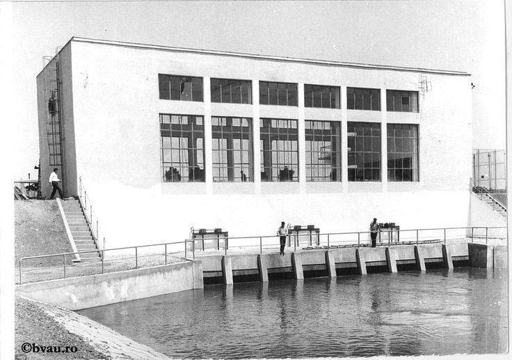 """Stație de irigație la Brateșul de jos, 1968, Galați, România. Imagine din colecțiile Bibliotecii """"V.A. Urechia"""" Galați."""