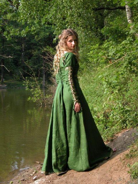 green, dress, long, medieval