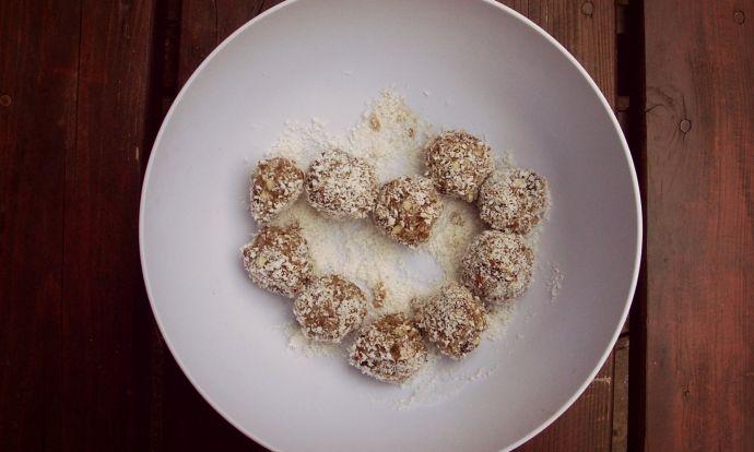 Raw tahini kuličky