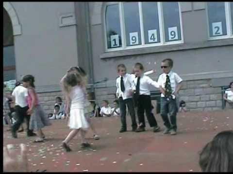 sur chanson l'école est finie