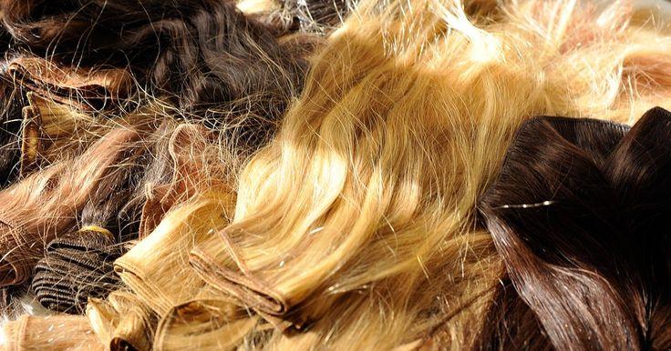 Como colocar cabelo falso sem costurar ou colar. As extensões de cabelo são a forma mais rápida e mais cara de obter um cabelo longo e volumoso. Duas das formas mais populares de colocá-las são usar cola de cabelo ou costurar suas mechas em tranças apertadas feitas de seu próprio cabelo. Ainda que fiquem no seu cabelo por pouco tempo, elas também podem ser bastante prejudiciais tanto para o seu ...