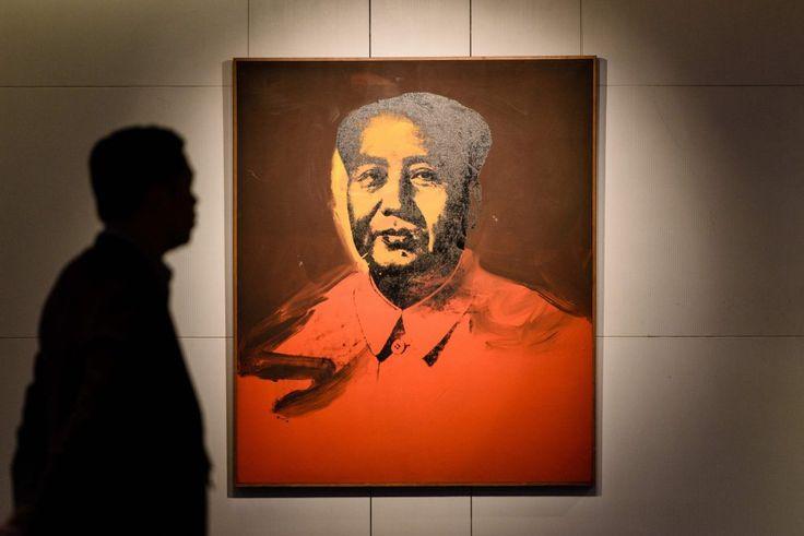E' stata venduta all'asta per 12,7 milioni di dollari - 11,9 milioni di Euro - la serigrafia che raffigura il leader della rivoluzione cinese Mao