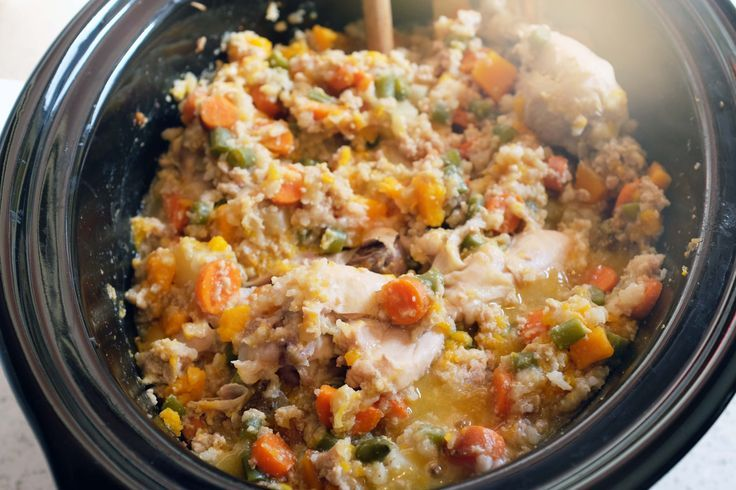 Pup-Approved Thanksgiving Feast Crockpot Dog Food!  Show your dog how thankful you are that they exist #woof