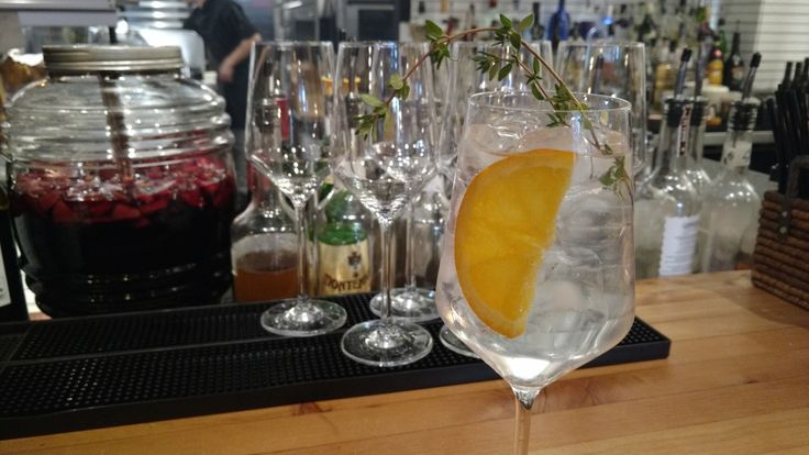 It was International Gin and Tonic Day every October 19th. And continuing to stay on the gin train, it's National Gin day on December 7th. For those gin-lovers on your list, here are unique e…