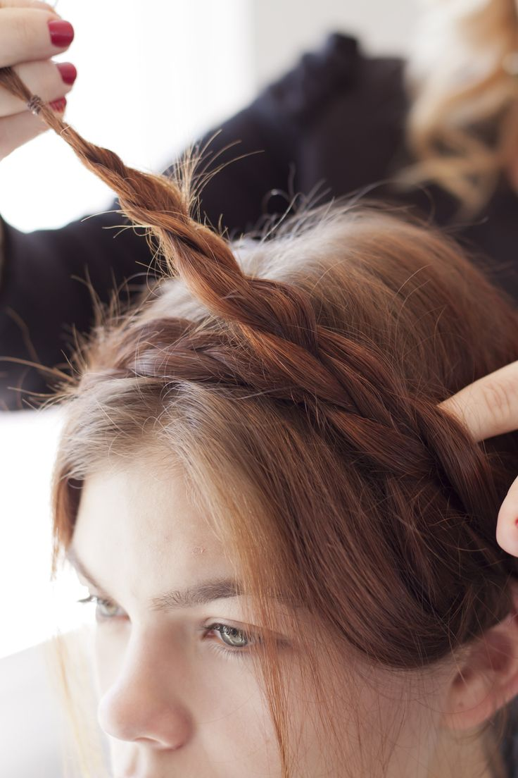 4 easy DIY hair styles for girls who CAN'T braid