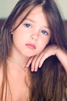 Kristina Pakarina - young child model from Russia-Contrarium photo!