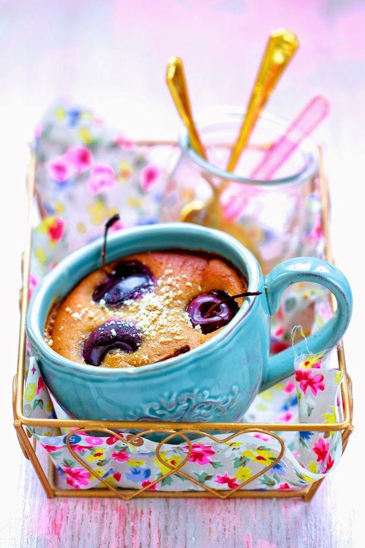 Clafoutis aux cerises (à la sève de kitul) Desserts aux sucres naturels d'Ellen Frémont Editions Larousse Cuisine