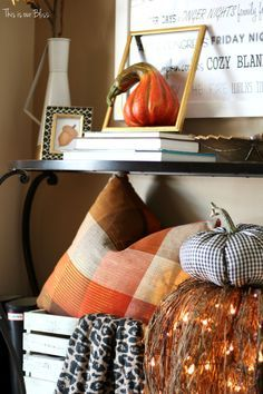 DIY fall throw pillows with cloth napkins Fall entryway fall table linens Fall…