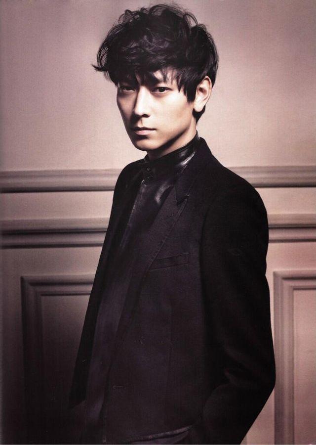 Kang Dong-won // Elle // May 2013