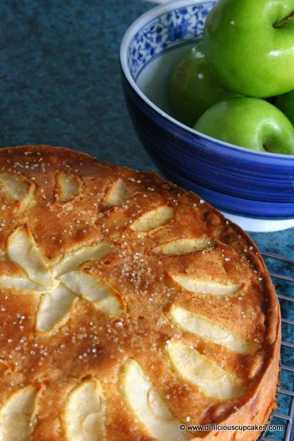 Norwegian Apple Cake (Eplekake): Yummy! Only change was to sprinkle some lemon juice on sliced apples to prevent them from browning. Nice texture and presentation.