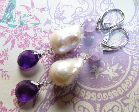 Baroque pearls with amethyst drop earrings silver di Sofiasbijoux, €45.00