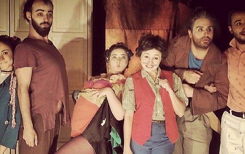 İki Kapılı Ev | İstanbul'da Sanat  Ekip Tiyatrosundan İki Kapılı Ev. Mart ve Nisan Programları Oyun, Sahne ve Gişe Bilgileri Sitemizde