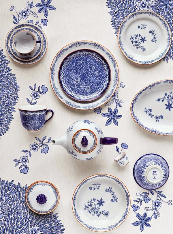 The Pink Pagoda: Blue and White Monday || The Table