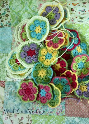 Teach Me How To Crochet : Flower Crochet- Need to have Lindsey teach me how to do this: Crochet ...