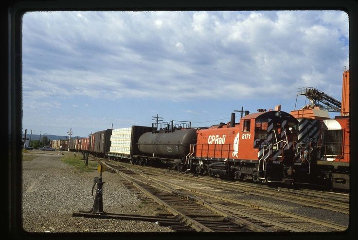8171 at Sault Ste. Marie, Ontario on 9/4/80.