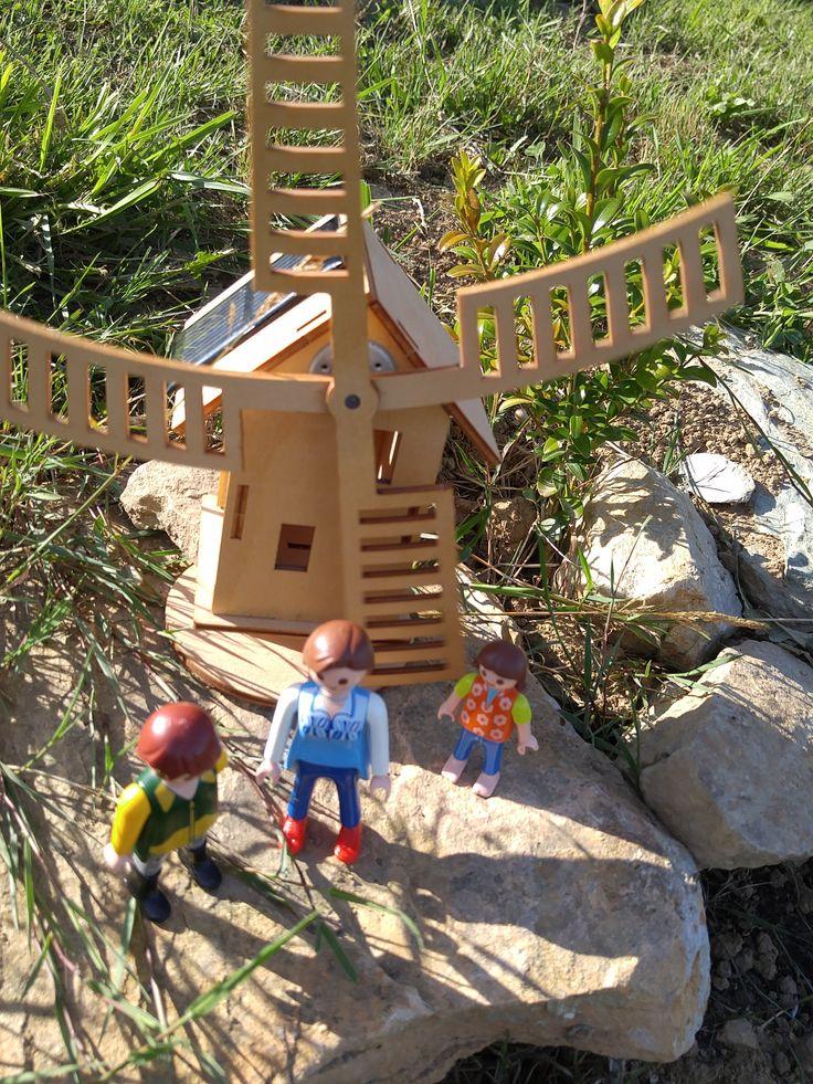 A la recherche du vent, à moins que ce moulin ne fonctionne qu'à la force du soleil.
