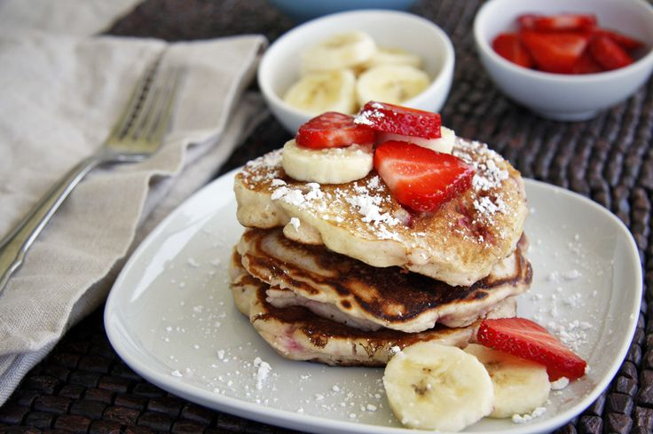 Strawberry Banana Pancakes by dashofeast #Pancakes #Strawberry #Banana #dashofeastPancakes Recipe, Banana Pancakes, Food, Pancakes Breakfast, Strawberries Bannana, 10 Pancakes, Strawberries Bananas, Bannana Pancakes, Bananas Pancakes