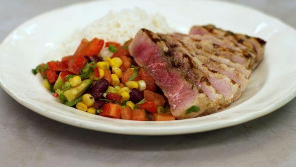 Eén - Dagelijkse kost - gegrilde zwaardvis met rijst en Mexicaanse salsa