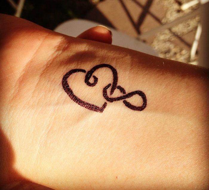 Les 25 meilleures id es concernant tatouages infini sur pinterest tatouages d 39 infini au - Tatouage amour et fidelite ...