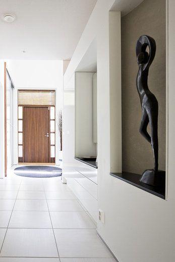 Sisääntulokäytävän syvennyksissä tilaa taiteelle, lisää ideoita www.lammi-kivitalot.fi