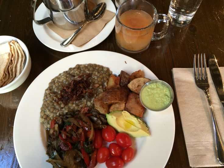 By Laura Collins @lauradcollins  Lebanese dishes for brunch make for a delightfully different experience.