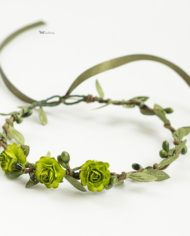 Зеленый цветочный венок для малышей