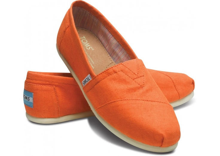 Go Vols!  Woohoo....You are in big orange country baby! These are game day shoes:): Toms Shoes Outlets, Color, Tangerine Toms, Classic Toms, Fall Outfits, Bridesmaid Shoes, Orange Toms, Orange Items, Giant Games