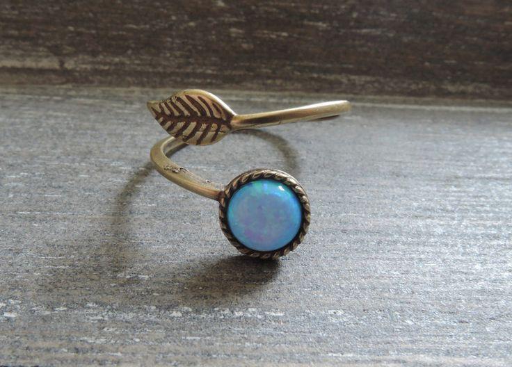 Ringen - Leaf ring antieke koperen blauwe verstelbare takje - Een uniek product van MadamebutterflyMeagan op DaWanda