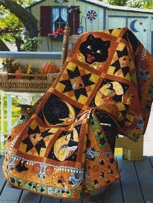 Witch Way by HELEN WEINMAN Quilted by Julie Lariviere Fabric courtesy of Quilting Treasures This Halloween quilt is perfect for warming up chilled trick-or-treaters