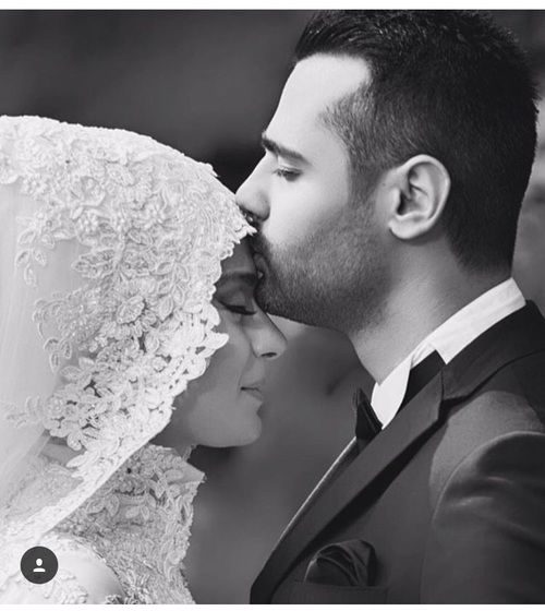 http://www.hijabiworld.com/195-of-the-cutest-and-most-beautiful-muslim-married-couples/