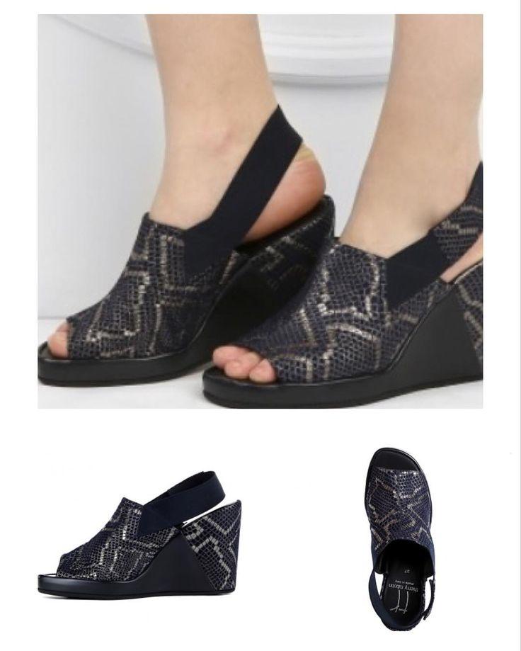 Thierry Rabotin - удобная женская обувь из Италии. Может ли красивая обувь быть удобной? Конечно да, если это обувь от Thierry Rabotin! При ее создании используются вековые ремесленные традиции, поэтому каждая пара по-своему уникальна и не похожа на остальные. Итальянская обувь Thierry Rabotin учитывает анатомическое строение ноги, поэтому вы просто не будете ощущать ее, даже если выдался очень активный день. Натуральные высококачественные материалы, индивидуальный подход к созданию каждой…