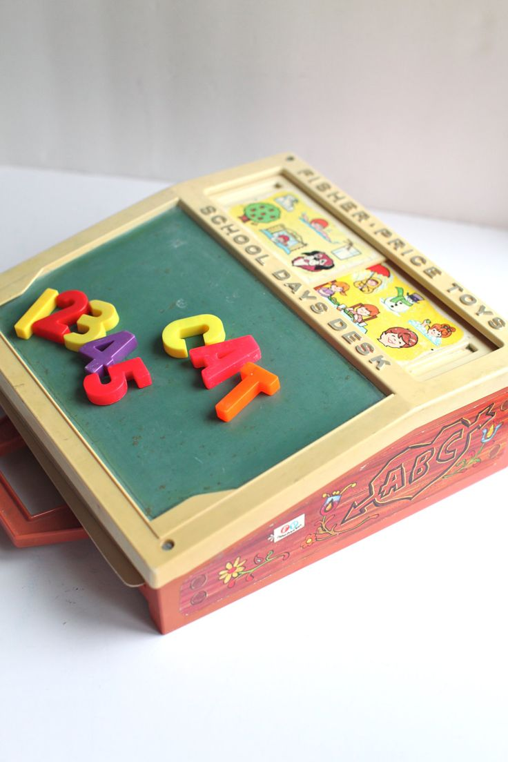 I loved this toy back in the 70's!  It was fun until a sibling or such used crayons instead of chalk. Was never the same again.