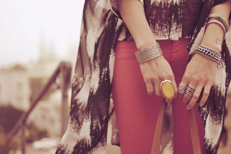 Wouu love this ring! I have the exact same one :)