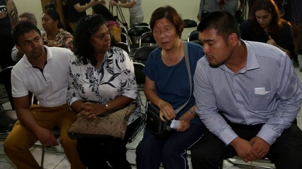 Bali nine duo's families fly to Jakarta as lawyers plan last ditch appeal attempt - http://www.baindaily.com/bali-nine-duos-families-fly-to-jakarta-as-lawyers-plan-last-ditch-appeal-attempt/