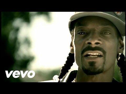 Snoop Dogg performing Drop It Like It's Hot. Playlist.