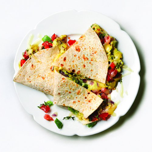 Get the recipe for this 330-calorie scrambled eggsadila here: http://www.womenshealthmag.com/weight-loss/low-calorie-recipes?cm_mmc=Pinterest-_-womenshealth-_-content-food-_-1600calday #breakfast #breakfastideas #healthyrecipe