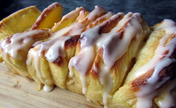 Mennonite Girls Can Cook: Lemon Layered Loaf