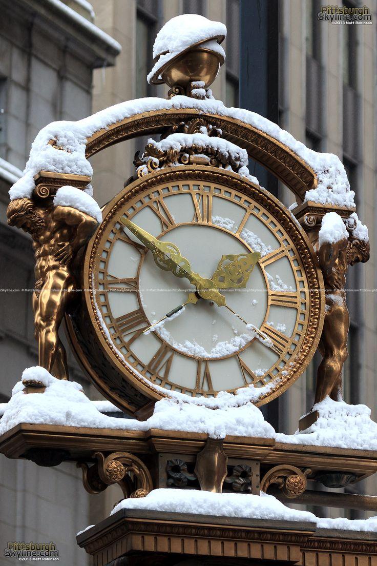 Snow covering the Kaufmann's Clock - PittsburghSkyline.com