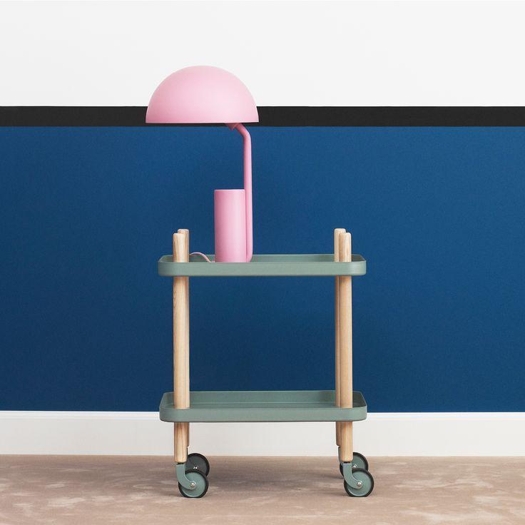 Block rullebord fra Normann Copenhagen. Bordet kan brukes til oppbevaring på kjøkkenet, som barvogn, som sittebord eller bare som dekorasjon.