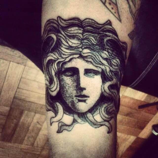 Tattoo ZOE METAMORFA www.mantratattoo.cl